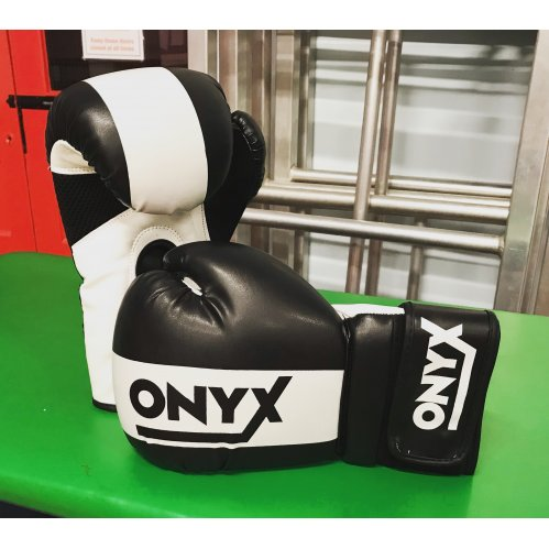 Onyx - Boxing Glove Black/White